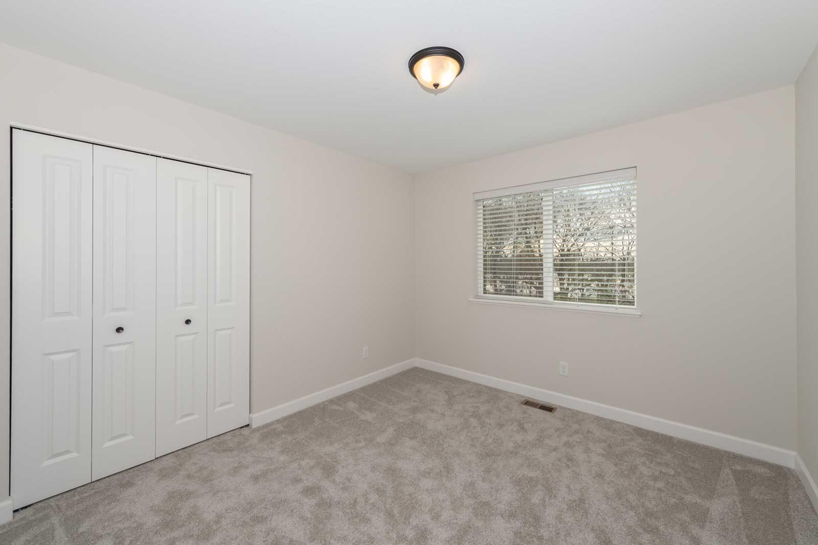 Unfurnished Room