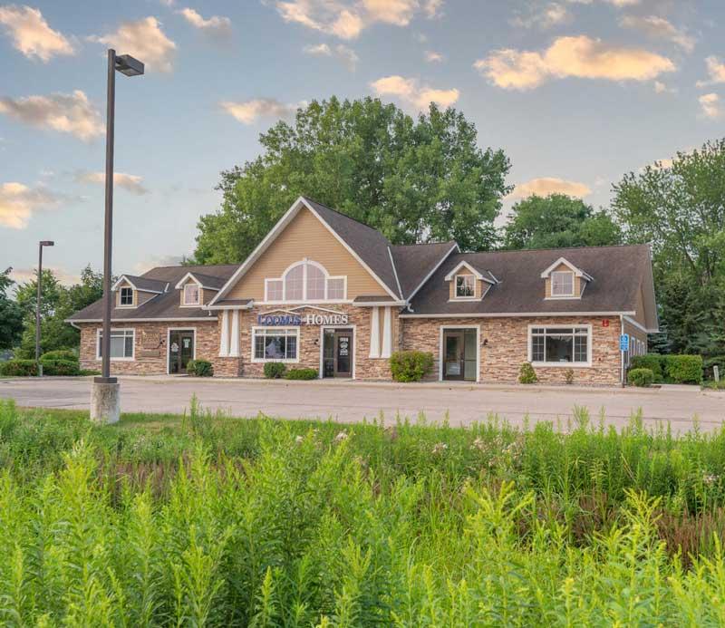 1458 White Oak Dr Chaska Mn Large 004 002 Loomis Homes Office4 1498x1000 72dpi